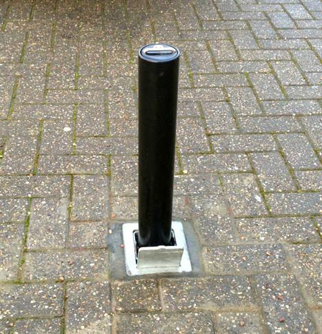 Heavy Duty Round Telescopic Post product gallery image
